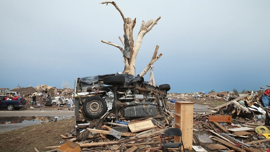 Massive tornado hits Oklahoma City