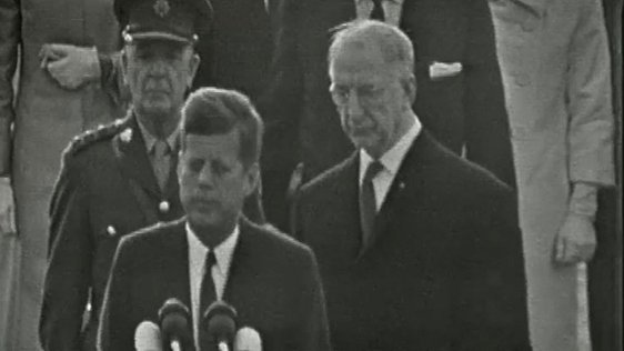 President Kennedy and President Éamon de Valera at Dublin Airport, 1963