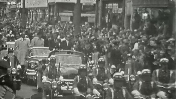 President Kennedy motorcade through Dublin city, 1963