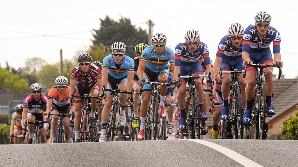 The peloton makes its way through Newbridge, Co. Kildare.