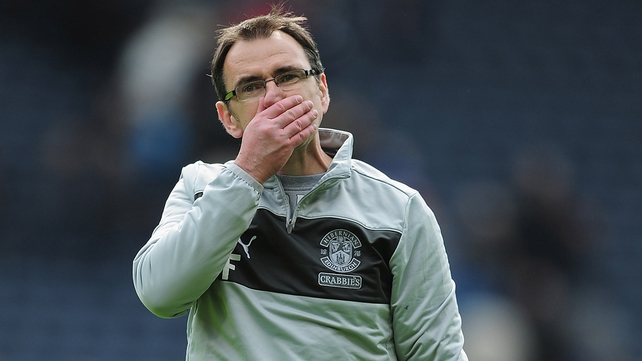 Pat Fenlon is under increased pressure at Hibernian
