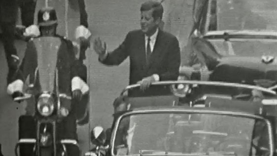 President Kennedy travels up Dame Street (1963)