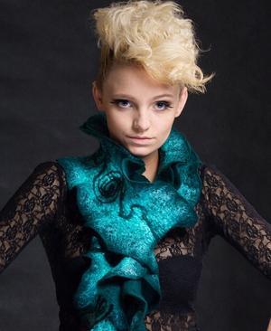 Felt scarf by Natasha Nosenko