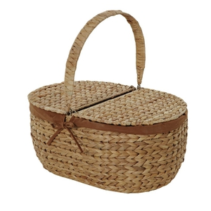 Next picnic basket, €34. Available in stores and online.