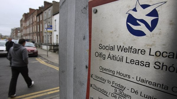 For the year to the end of October the number of men in receipt of social welfare fell by 28,105