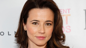Cardellini to play Jess's sister on New Girl