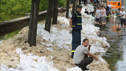 Magdeburg residents have been fighting rising water levels for a number of days
