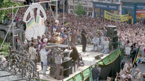 Mr Mandela was in Dublin city on the same day the Irish football team returned from the World Cup in Italy (Pic: Dublin City Library and Archive)