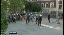 Turkish riot police enter Taksim Square to disperse protesters