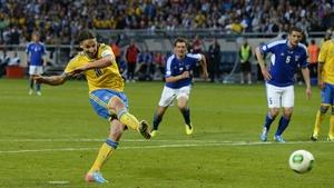 Zlatan Ibrahimovic scores from the spot