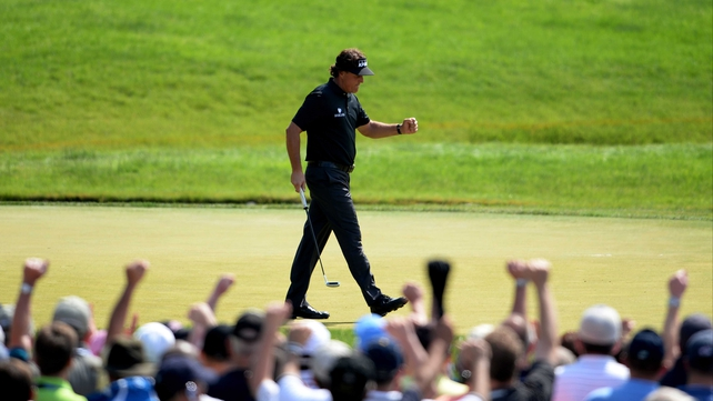 Phil Mickelson shares the lead with Billy Horschel