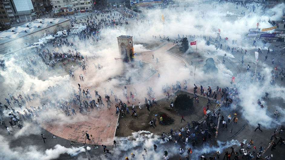 Turkish police fired volleys of tear gas and jets of water to disperse anti-government demonstrators in Istanbul's Taksim Square
