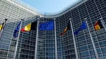 The European Commission reduces its 2016 growth estimate for the euro zone to 1.7% from 1.8%