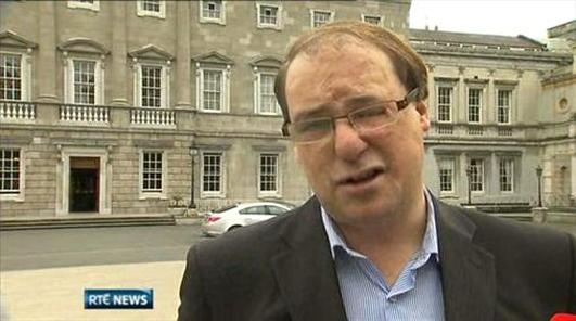 Eoin Ó Murchú, Tráchtaire Polaitíochta.