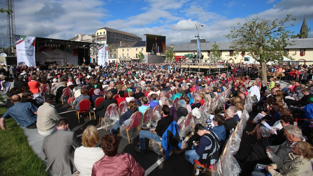 Thousands of spectators attend the commemorations in New Ross