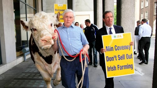 Farmers held a protest outside the Department of Agriculture in Dublin