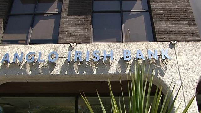 400 staff at the former Anglo Irish Bank are to get additional redundancy payments