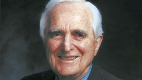 Douglas C Engelbart dies in the US