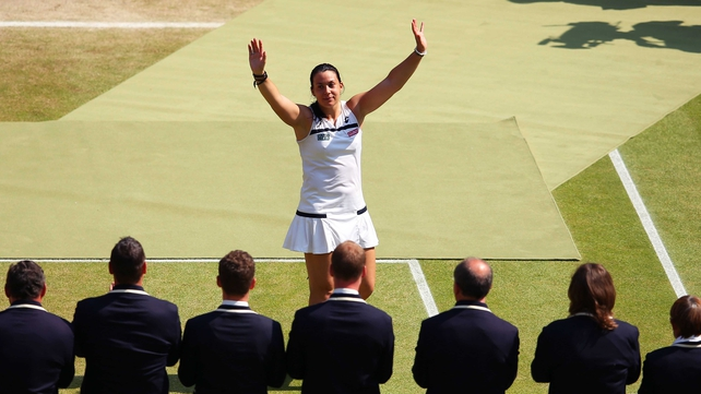 Marion Bartoli was largely untroubled in defeating Sabine Lisicki