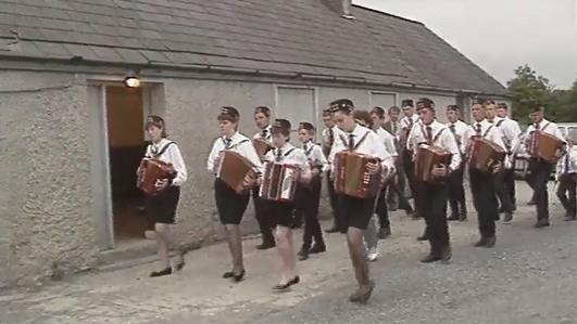 Póilín Ní Chiaráin - i mBéal Feirste.