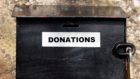 How much funding does the HSE give voluntary organisations ?