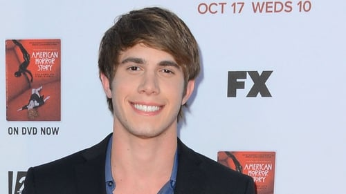 Blake Jenner set to wed co-star