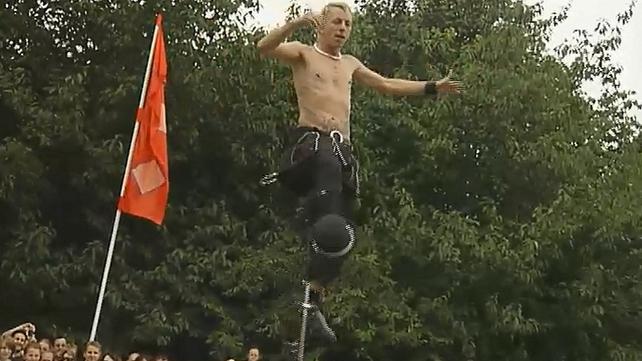 Street Performers (2006)