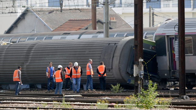 Loose steel plate at points being blamed for train crash
