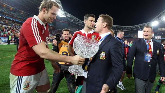 Alun-Wyn Jones: 'It's funny because before the last game everyone was criticising him, saying that he had done the wrong thing with his selection, and now they are touting him for the next one'