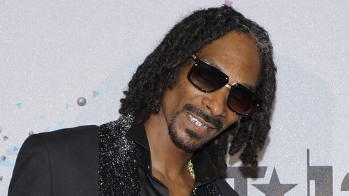 "Snoop Dogg thinks Rita Ora is a ""special lady,"""