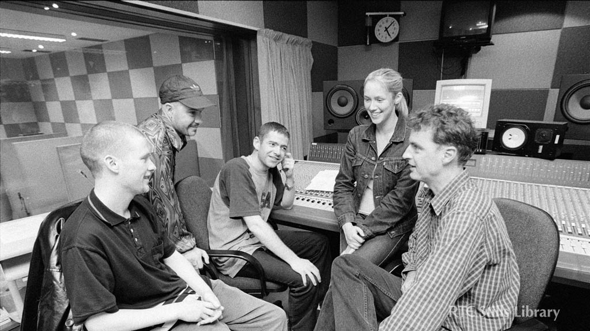 'Delorean Suite' formerly 'Rhythm of the Radars'. From left to right: Graham Conway, Tony Roche, Fergal O'Neill (no longer with the band), Jenny McMahon and of course DJ Dave Fanning.