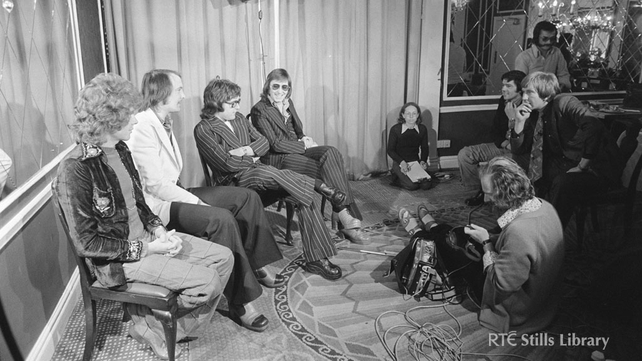 Tom McGurk Interviews Mud at Gresham Hotel (1975)