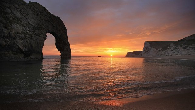 The alarm was raised after a safety craft saw the dinghy around 2.7 nautical miles south of Durdle Door on the UK coast