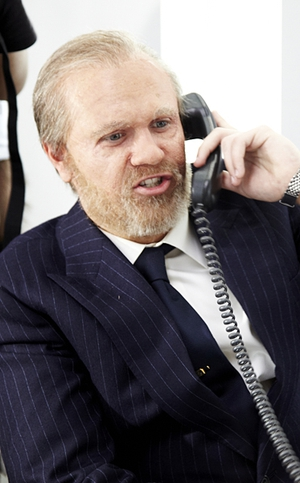 Niall Horan undergoes a major transformation for the new One Direction video, Best Song Ever