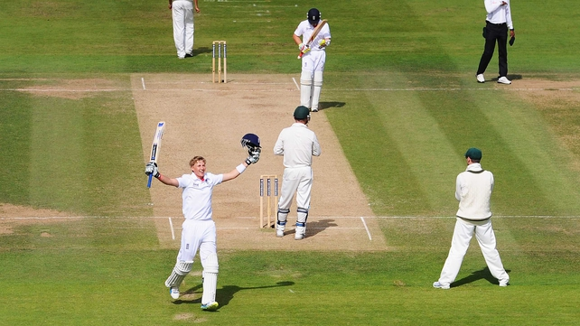 Joe Root celebrates his Test century as England pushed towards victory at Lord's