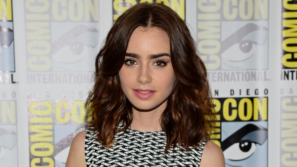 Lilly Collins refuses to join Twitter