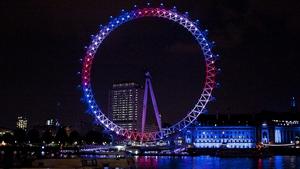 The London Eye is illuminated to mark the royal birth