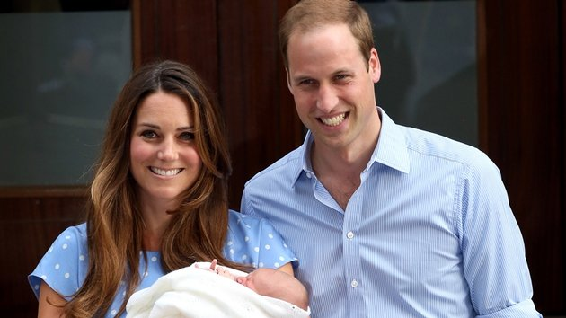 The Duke and Duchess of Cambridge leave hospital with their newborn son