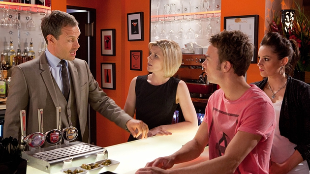 Will David destroy Nick and Leanne's marriage?