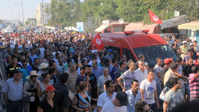 Tunis protest followed calls by the secular opposition for street rallies to topple the government