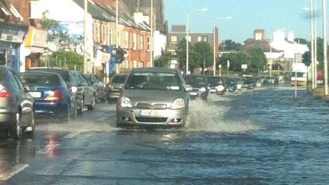 Flooding on the Clontarf Road in Dublin 3 (Picture - Ray Kennedy)