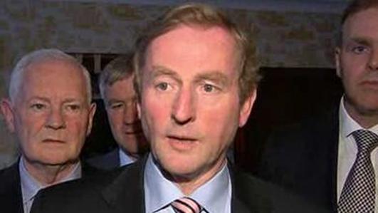 Colm Ó Dúlacháin  / An Taoiseach Enda Kenny.