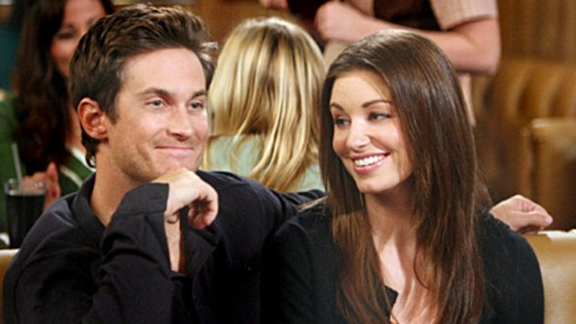Oliver Hudson and Bianca Kajlich in Rules of Engagement