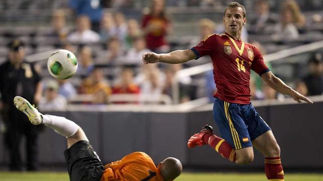 Roberto Soldado moves to Tottenham from Valencia