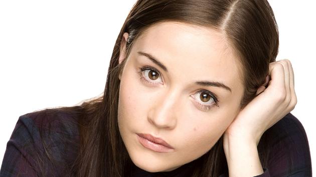 Lauren (Jacqueline Jossa) - Will try to make amends for her behaviour