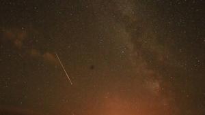 A meteor streaking across the sky over Inchydoney strand in Co Cork (Photo by Darren Martin)