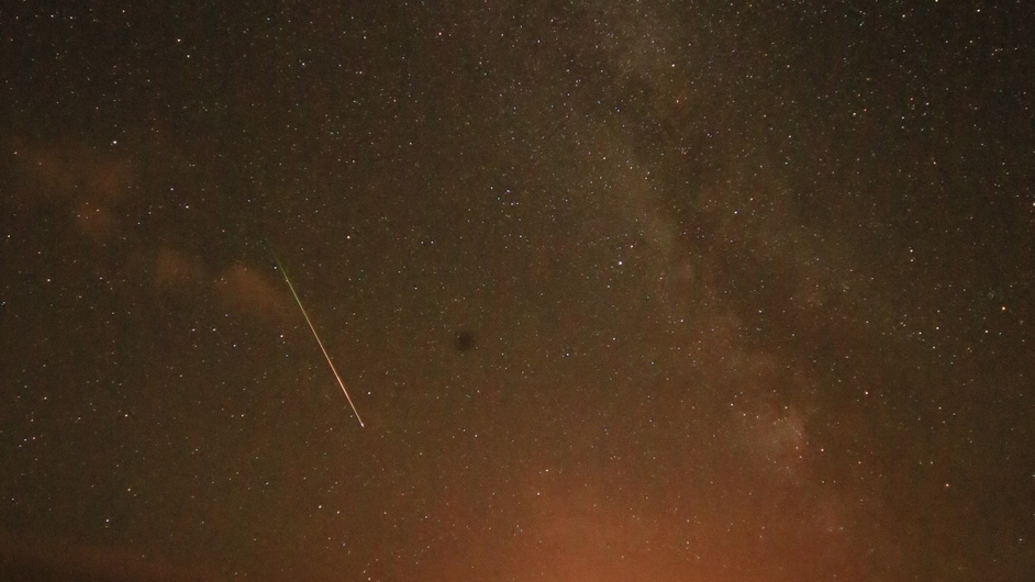 A meteor streaking across the sky over Inchydoney strand in Co Cork (Photo by Darren Martin)