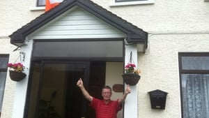 Rob's proud father Bobbie celebrates his son's victory at home in Ballyphehane, Co Cork