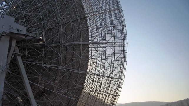 The Effelsberg radio telescope in Germany which is used to observe  the Galactic Centre region for unidentified pulsars (Pic: David Champion & Ralph Eatough/MPIfR)