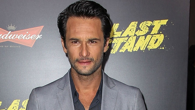 Brazilian axroe Rodrigo Santoro will star alongside Will Smith in Focus